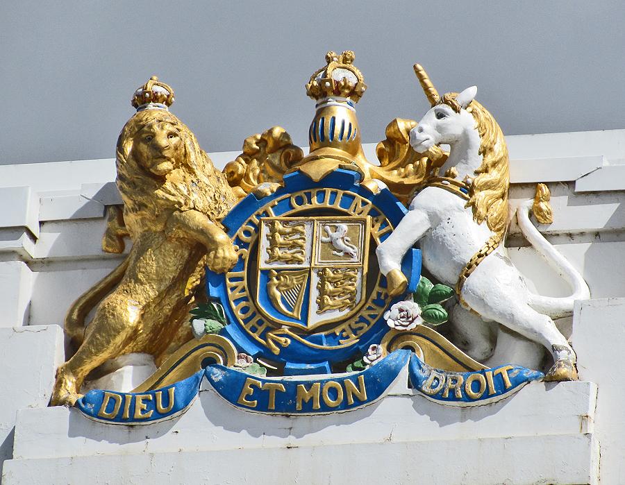 commonwealth-coat-arms